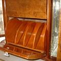 N°5: il porta dischi con i vari scomparti