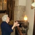 La nonna Rosa novantenne in preghiera