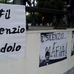 Il silenzio è dolo! Il silenzio è mafia!