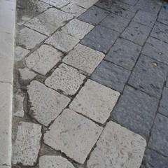 Canosa di Puglia : pietre basolato