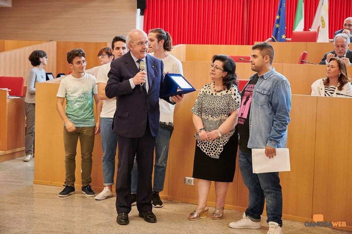 Premiazione Loizzo, Santoro alunni Lanotte , Lombardi, Nachiero , Masotina