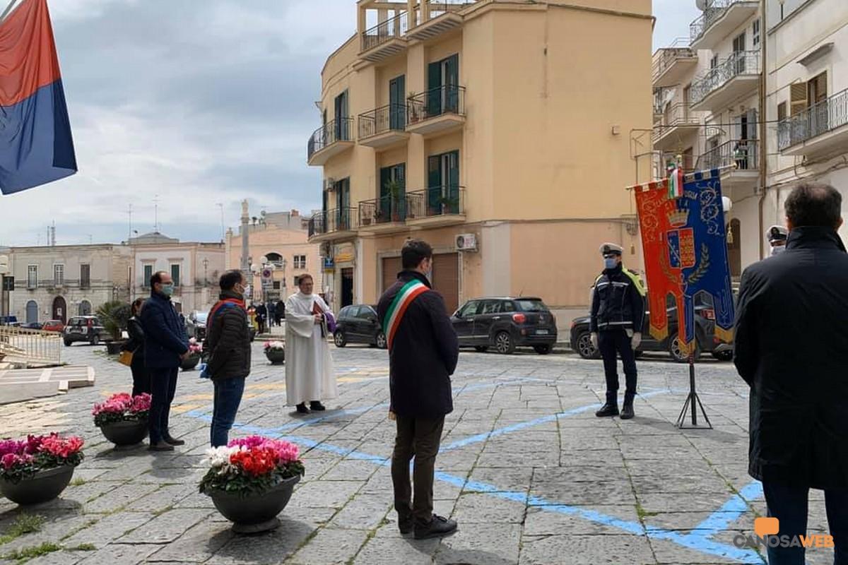 Canosa di Puglia 31/03/2020 Nel ricordo di  tutte le vittime del coronavirus