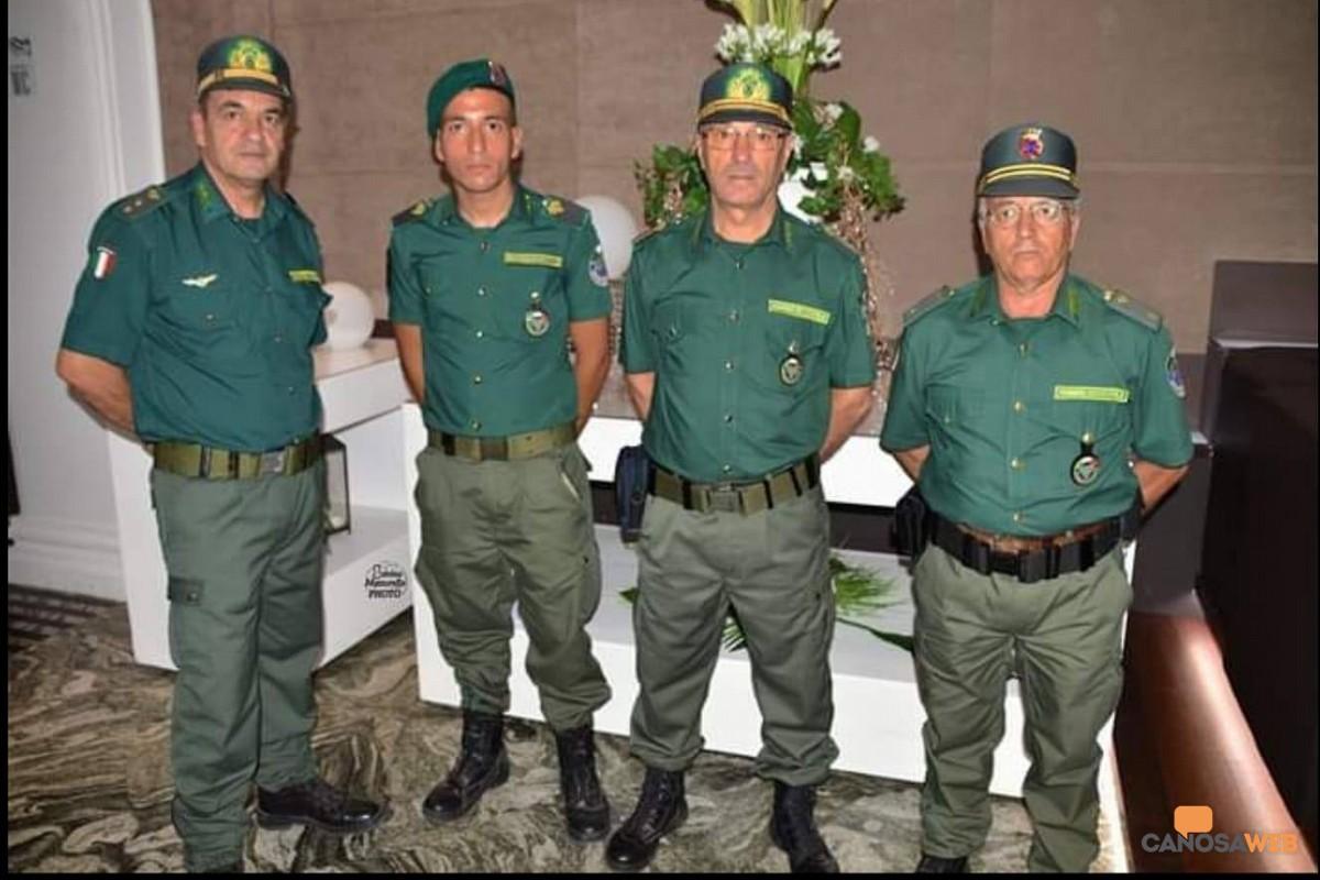 Nicola Bologna con le  guardie Ecozoofile di Canosa