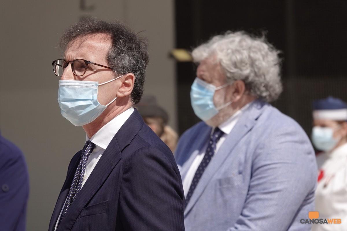 Bari Ministro Boccia e presidente Emiliano