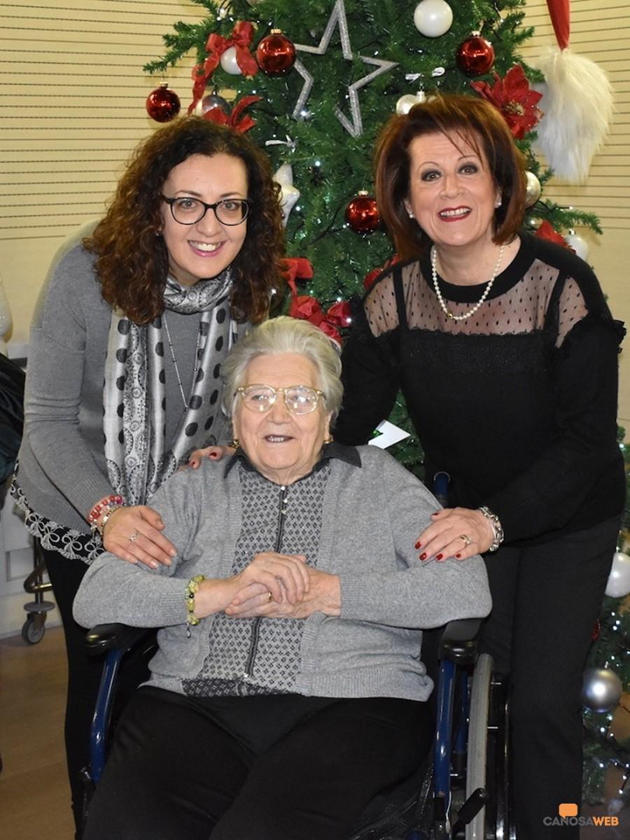 Zia Nicoletta con le figlie Sabina e Anna Samele