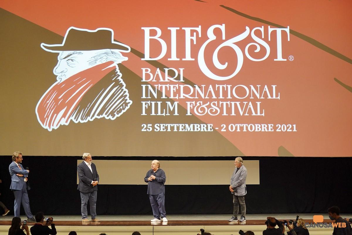 A Lino Bandi il premio Bifest alla  carriera Bari