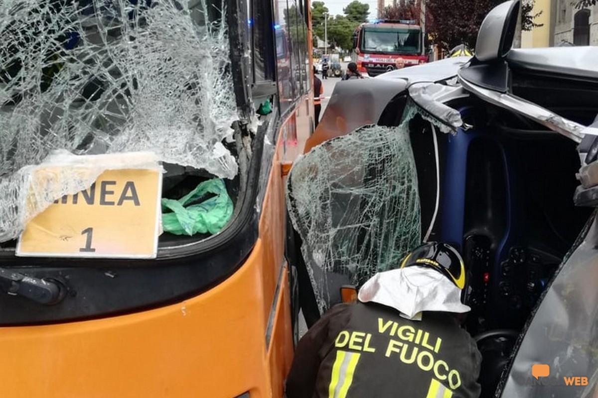 Incidente stradale Corso Garibaldi Canosa di Puglia