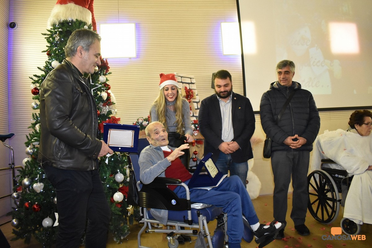Natale 2019, Pro Loco Canosa premia il  poeta Savino Losmargiasso