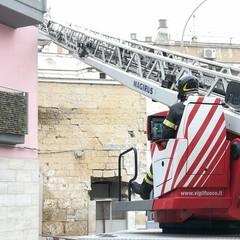 Crolla un edificio pericolante in via De Gasperi Canosa
