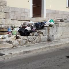 Canosa: rifiuti a cielo aperto