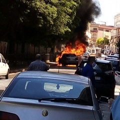 2020 Incendio auto Canosa via Bovio