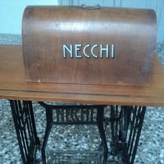 Macchina da cucire  Marchio Necchi