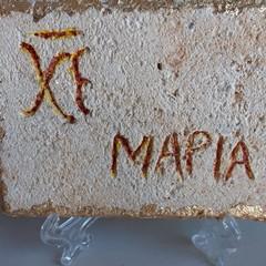 """""""XE MAPIA (Rallegrati Maria)""""-  Incisione su tufo dell'Artista Carla Carbone"""