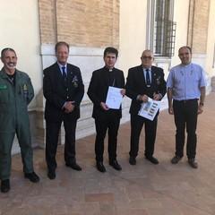 Loreto:Col. Massimi,Cav.Di Pinto,Mons. Dal Cin, Pres.Di Ruggiero,Don  Giordano