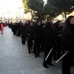 Donne in processione