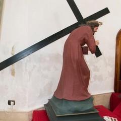 Canosa: Gesù sotto la Croce