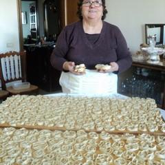 Le cartellate di Canosa di Puglia preparate da Rosetta Massa