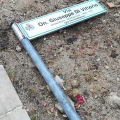 Canosa 25 gennaio 2019  divelto il palo  della via 'On. Giuseppe  Di Vittorio'