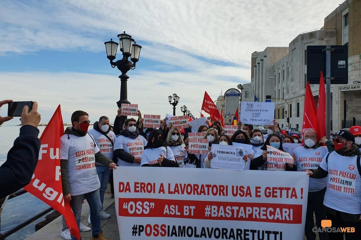 La protesta degli operatori socio sanitari a Bari 2021