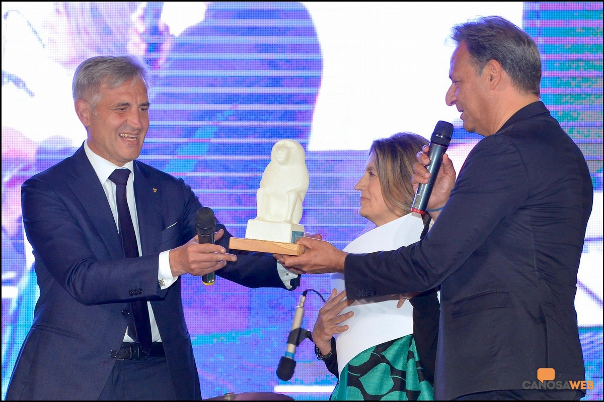 """A Sergio Fontana il premio """"VIRTU' E CONOSCENZA"""" - Porto Cesareo 2021"""