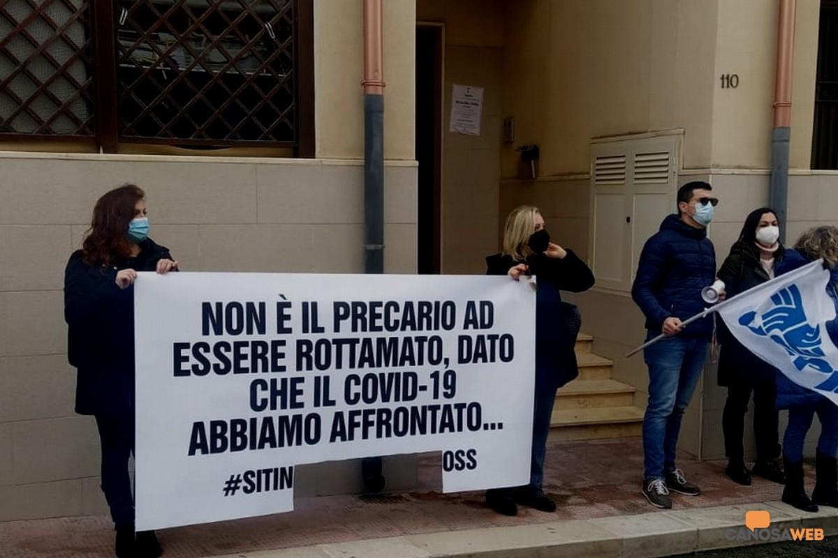 Protesta degli  OSS  ad Andria