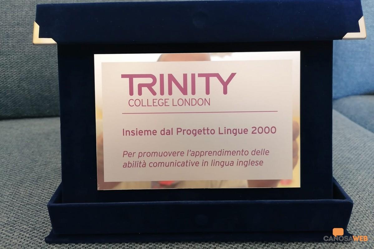 """Al Liceo """"E. Fermi"""" una targa celebrativa per il Progetto Lingue 2000"""