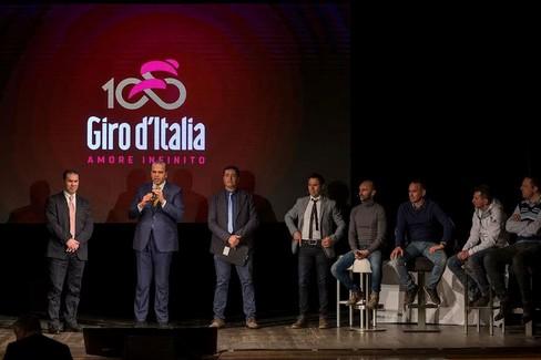 Alberobello: presentazione Giro d'Italia