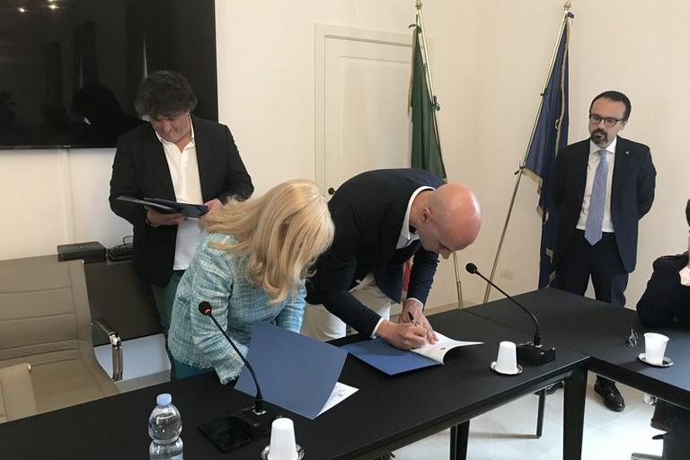 Firmato  il patto per la sicurezza di Canosa