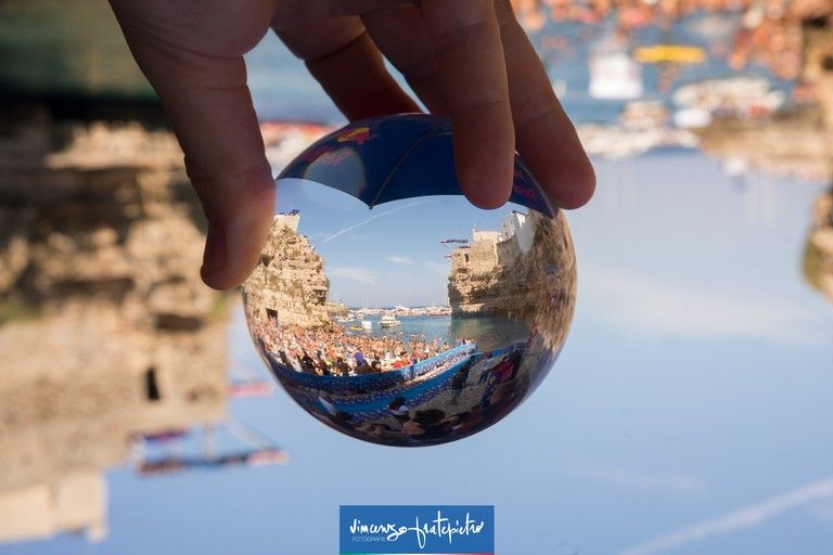 Polignano :Red Bull Cliff Diving