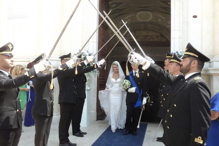 Matrimonio In Divisa Esercito : Canosa tintinnio di sciabole per sabina e roberto