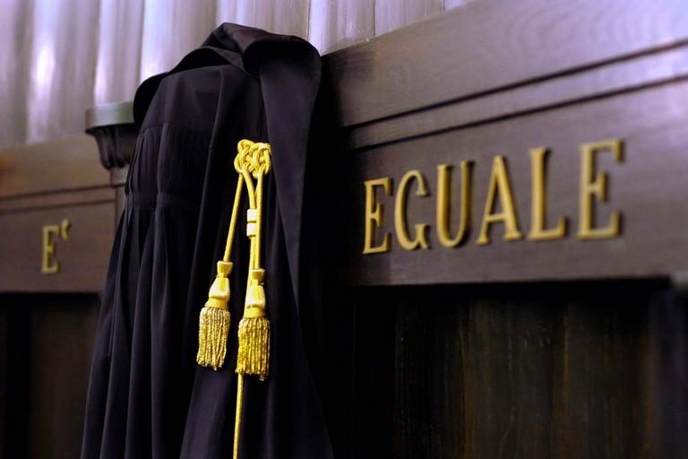 Tribunale toga giudice avvocato