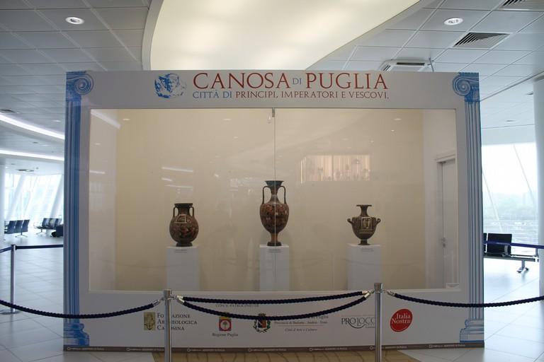 Bari Aeroporto Karol Wojtyla: Il viaggio nell'antica Canosa