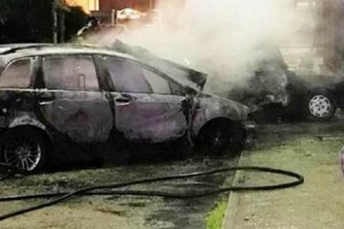 Incendio auto Puttilli