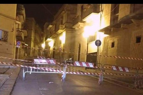 Canosa Via Matteotti Cedimento manto stradale