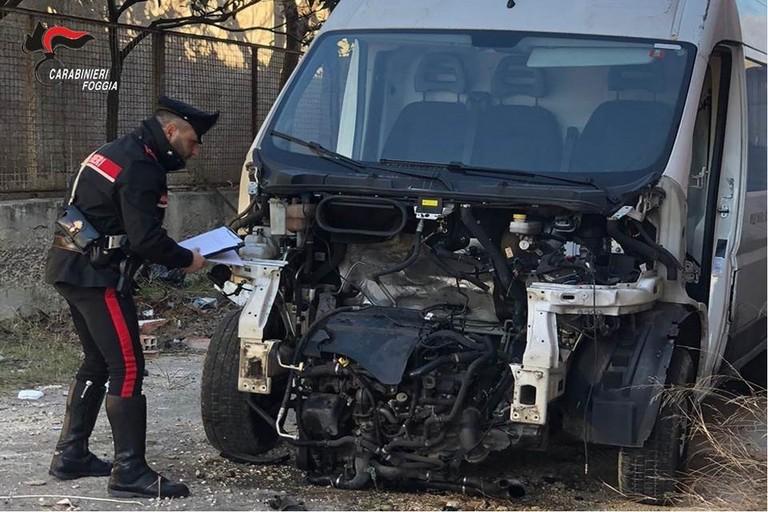 Carabinieri  Riciclaggio auto rubate