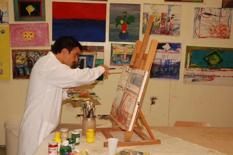 Marco Mastrangelo dipinge