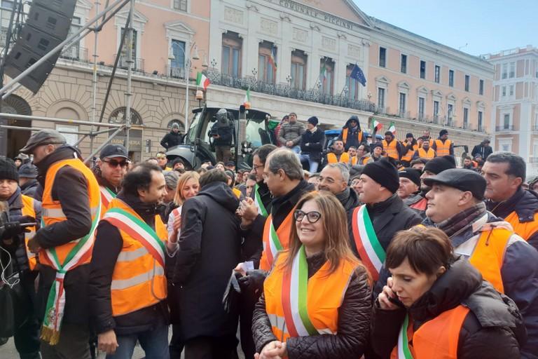 2019 Bari gilet arancione agricoltori sindaci