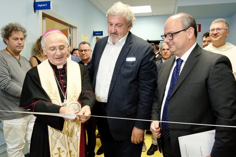 "Minervino: Hospice ""Karol Wojtyla"", Emiliano, Mons. Mansi, Delle Donne"