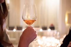 UE: Bruxelles vuole annacquare il vino