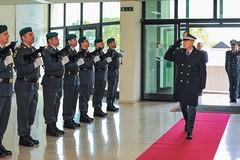 Il Generale Augelli in visita al II Gruppo Bari