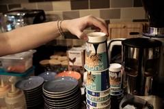 """La """"controra"""" pugliese con una tazza di caffè"""