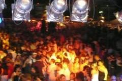 Covid-19: mascherine obbligatorie nelle discoteche