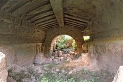 Canosa :Area archeologica  S. Pietro e ipogeo Monterisi Rossignoli,  patrimonio comunale