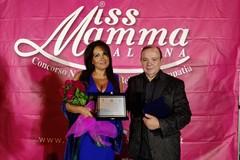 Un meritato premio alla dottoressa Carmelinda Lombardi