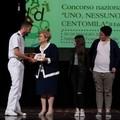 """Concorso """"Uno, nessuno e centomila""""premiati i ragazzi dell'I.C.""""Bovio-Mazzini"""""""