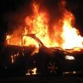 Altre due auto incendiate