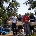 Il ciclista Giuseppe Paradiso sul podio di Bisceglie