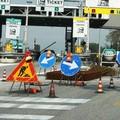 Canosini indignati:'gettati' per strada