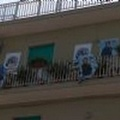 Balconi utilizzati come spazi elettorali