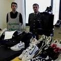 La Finanza sequestra oltre 1.500 paia di scarpe